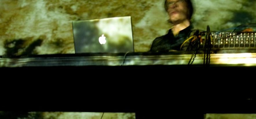 Christian Fennesz, Mego	 at (2008-05-30) A/VISIONS 3: MACHINE MUSIC REVISITED