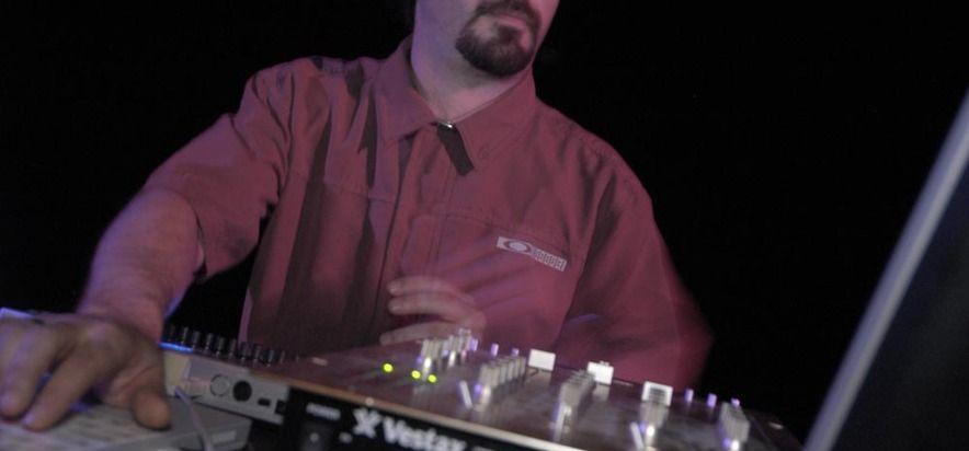 Martin Dumais at (2004-06-04) EXPÉRIENCE 2