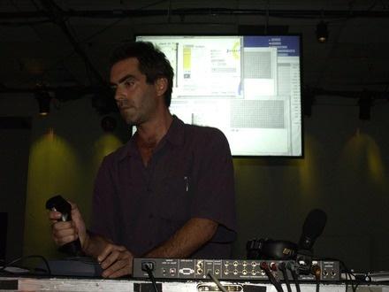 Zack Settel at (2002-05-30) EMERGENCE SAT 1