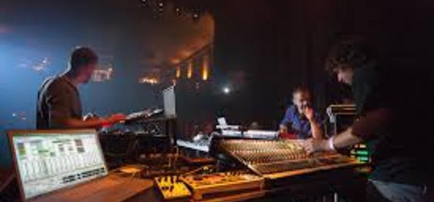 Minilogue vs Mathew Jonson at (2012-06-02) Nocturne 4