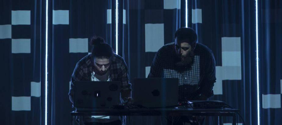 Idlefon & Amir B. Ash