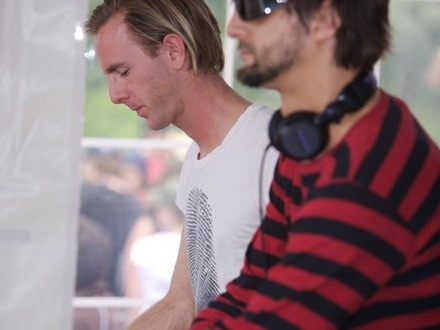 Richie Hawtin vs Ricardo Villalobos at (2006-06-04) PIKNIC 2