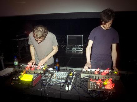 Jacob & Francis at (2010-06-04) Expérience 3